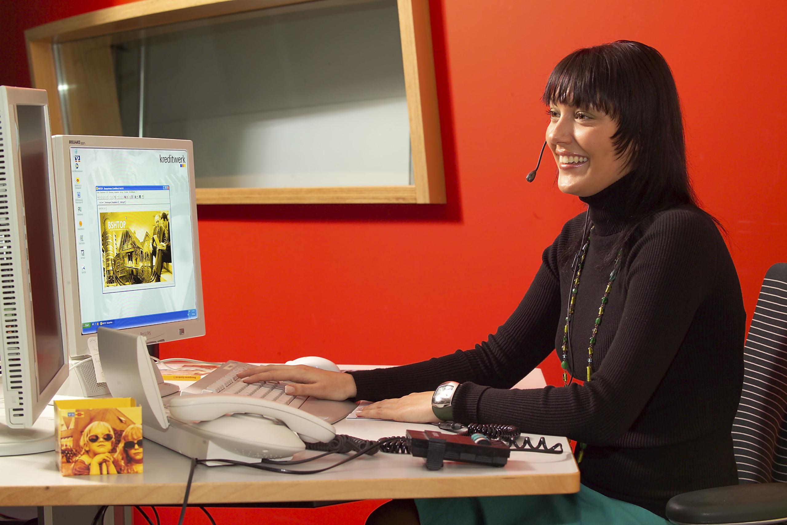 In Online-Meetings mit Mitarbeitern kommunizieren
